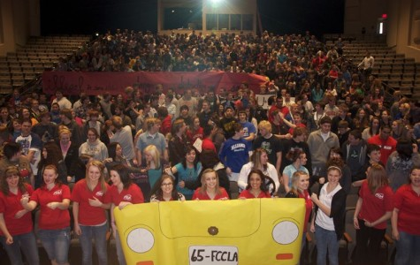 FCCLA Members Inform Alliance High School Students about Distracting Driving.