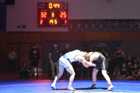 Eight to State: State Wrestling 2018